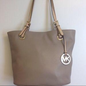 Michel Kors Medium Size All Leather Purse